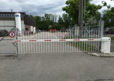 Schranke Swiss Army Wangen