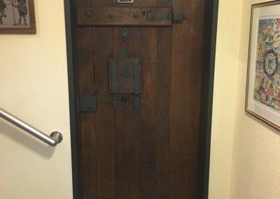 Gefängnistür Privathaus fertig